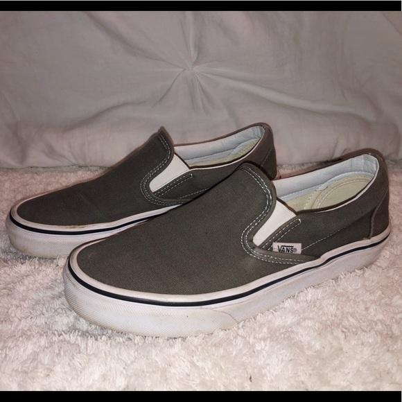 d38049d077165f Dark Grey Slip On Vans. M 5c7f1ad4409c1531f489fd69
